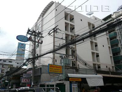 A photo of Makkasan Inn
