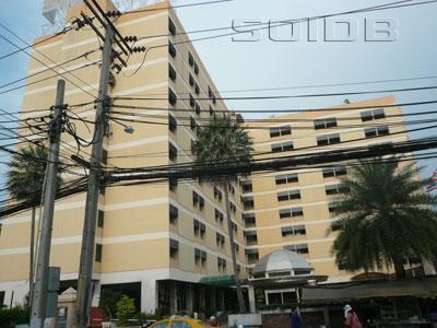 ラチャダ・シティーホテルの写真