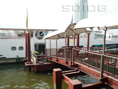 A photo of Chaophraya Hotel Pier - Shangri-La Hotel Bangkok