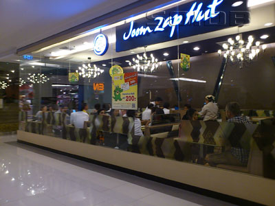 Joom Zap Hut - CentralWorld