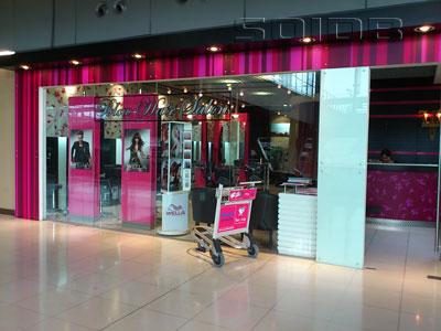 ブロー・ヘア・サロン - スワンナプーム空港の写真