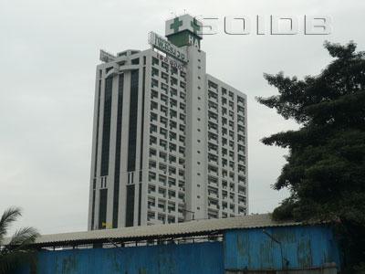 ภาพของ โรงพยาบาล เพชรเวช