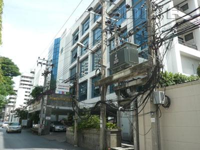 A photo of Banphaeo Hospital (Prommitr)
