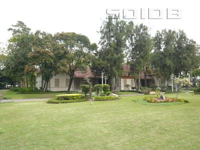 ภาพของ หอแสดงผ้าไทยพื้นบ้าน - พระราชวังสวนดุสิต
