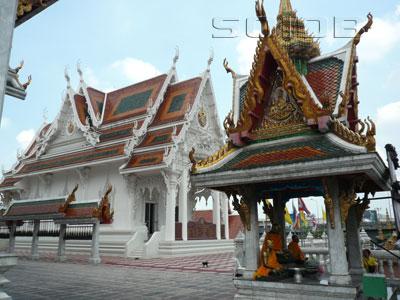 A photo of Wat Hua Lamphong