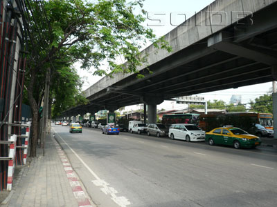 A photo of Rama 9 Road