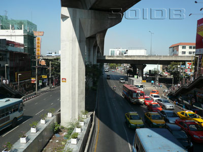 A photo of Phahonyothin Road