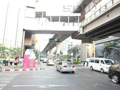 A photo of Phloen Chit Road