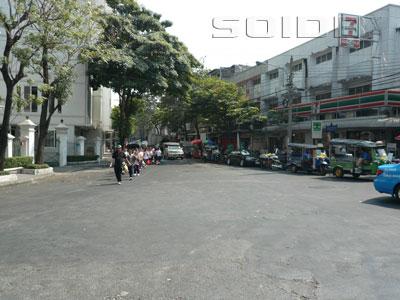 A photo of Damrongrak Road