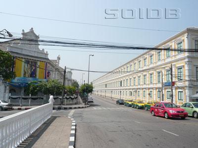 カンラヤナマイトリ通りの写真