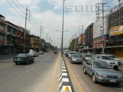 チェーンワタナ通りの写真