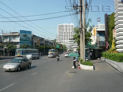 チャルン・ナコーン通りの写真