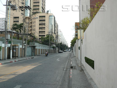 A photo of Sukhumvit Soi 16 (Soi Sam Mit)