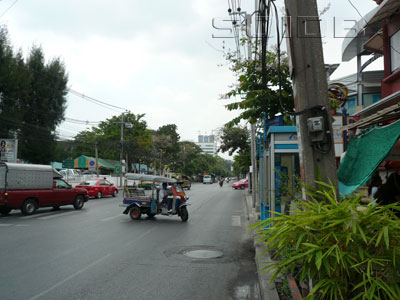 Nang Linchi Rd - Chan Mai Rd Junction