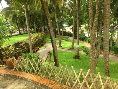 A photo of Park - Souvanhnakhamphong Road