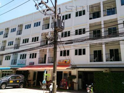 A photo of Chollada Inn