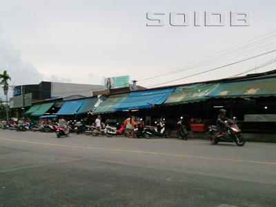 ポンポル・フード・マーケットの写真