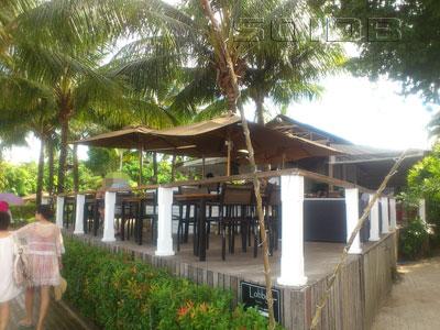 ザ・ビーチ・バー - ザ・ビレッジ・ココナッツ・アイランドの写真