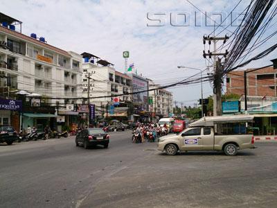 プラチャヌクロ通りの写真