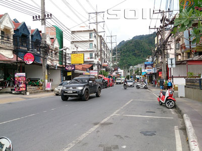 A photo of Ratuthit Songroipi Road