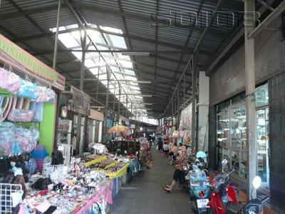 チャイヤポン市場の写真