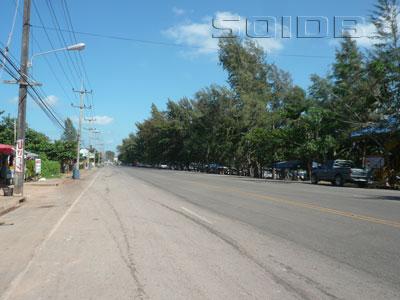 A photo of Pae Klaeng Kram Road