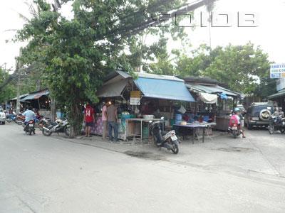 ภาพของ ฟู้ดวิลเลจ - Laemdin Market